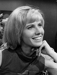 220px-Leslie_Charleson_1967