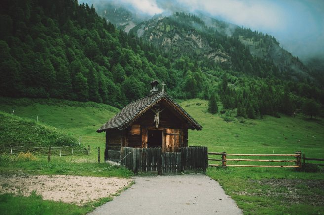agriculture-barn-cabin-chapel-463734